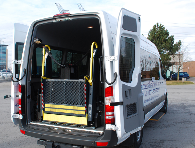 For travelers in large groups, our extra large accessible vans may prove the right fit. These vehicles offer additional comfort and baggage space while boasting all the same features as their smaller counterparts.